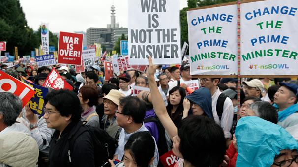 Japonlar ayaklandı!