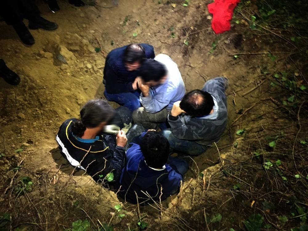 KAÇAK DEFİNE AVCISI ÖLÜ TAKLİDİ YAPARAK POLİSTEN KURTULMAYA ÇALIŞTI