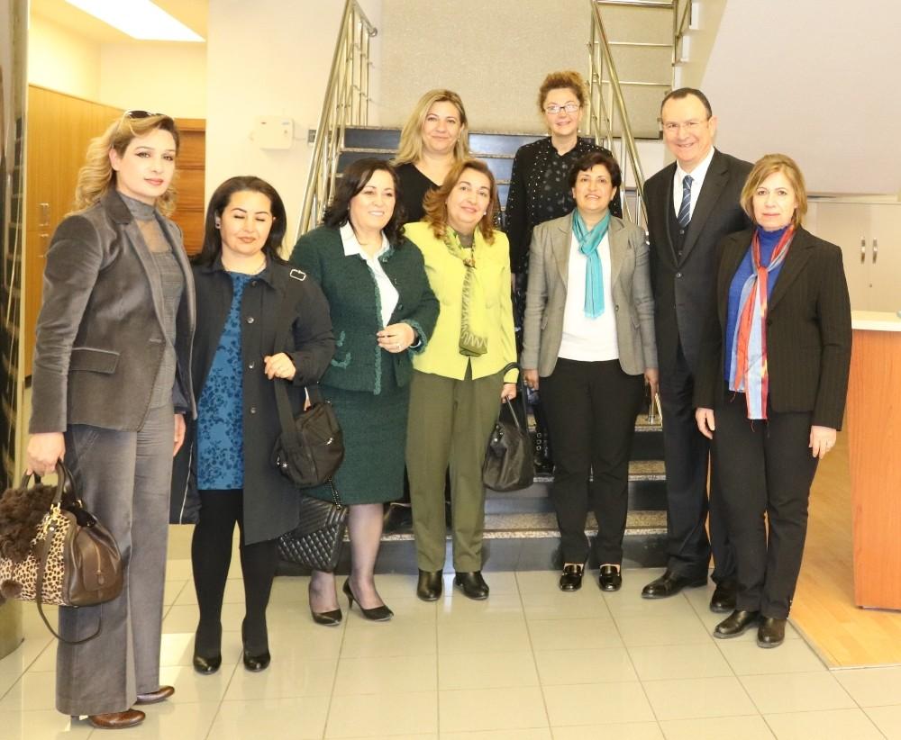 Kadın sanayiciler OSB Başkanı Mustafa Topçuoğlu'nu ziyaret etti