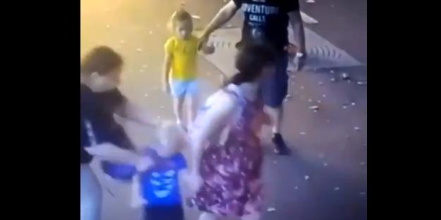 'Kadın terörü'! Cani kadın yoldan geçen çocukları yüzünden bıçakladı!