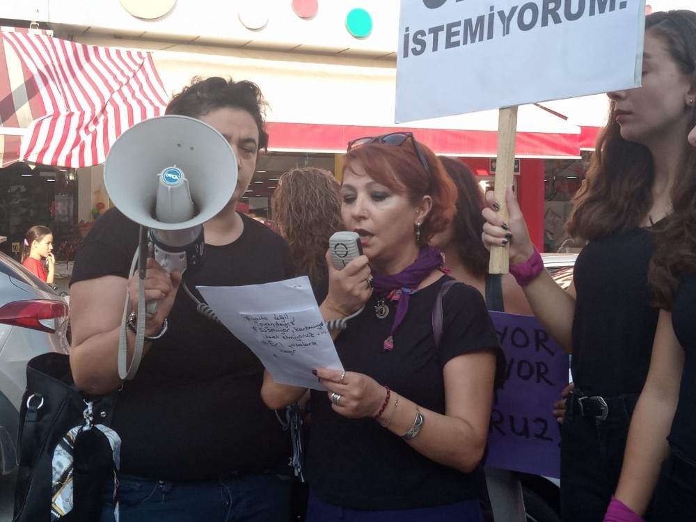 Kadınlar Emine Bulut cinayeti için toplandı