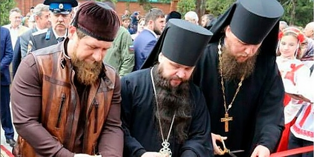Kadirov, Çeçenistan'ı haçlar ve kiliselerle donatıyor