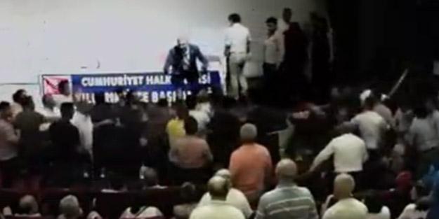 Kaftancıoğlu'nun katıldığı toplantıda CHP'liler birbirine saldırdı!