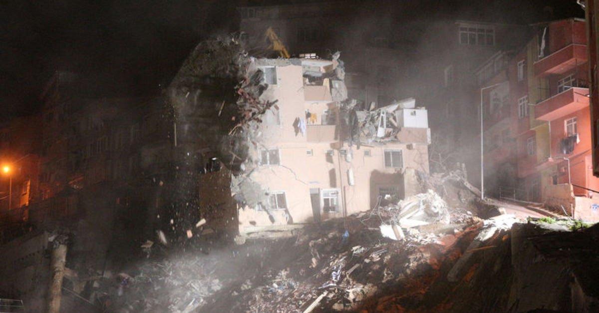 Kağıthane'de 5 katlı binanın yıkım çalışması sona erdi