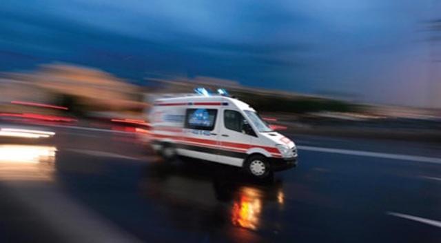 Kamyon şarampole yuvarlandı: 2 ölü, 1 yaralı