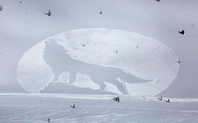 Kar ressamından ilginç şov! Görenler hayret ediyor