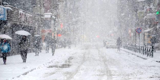 Kar yağışı başladı! İstanbul için heyecanlandıran açıklama
