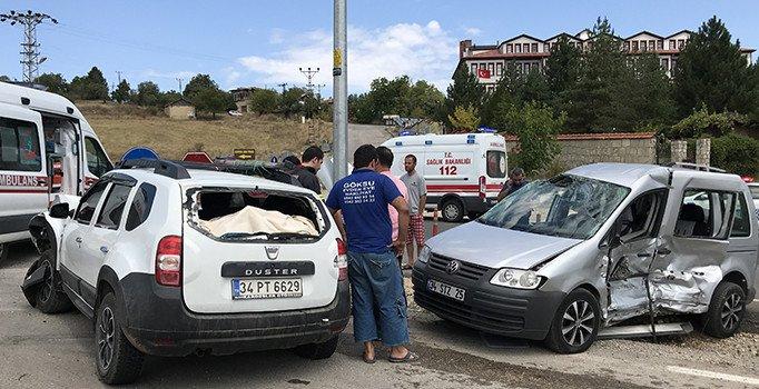 Karabük'te çifte kaza: 15 yaralı