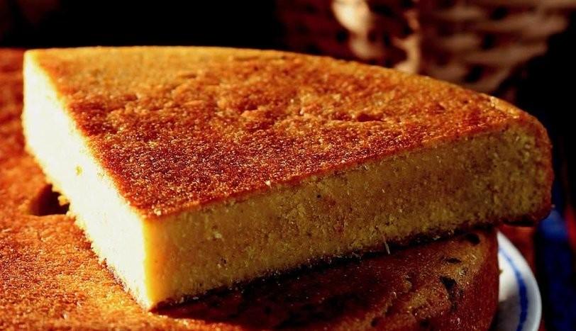 Karadeniz'in vazgeçilmeyen ekmeğini bir de böyle deneyin | Gürcü usulü mısır ekmeği tarifi