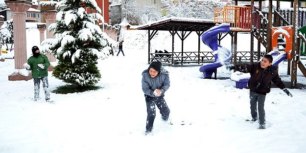 Karaman'da yarın okullar tatil mi? Karaman 17 Ocak Perşembe kar tatili