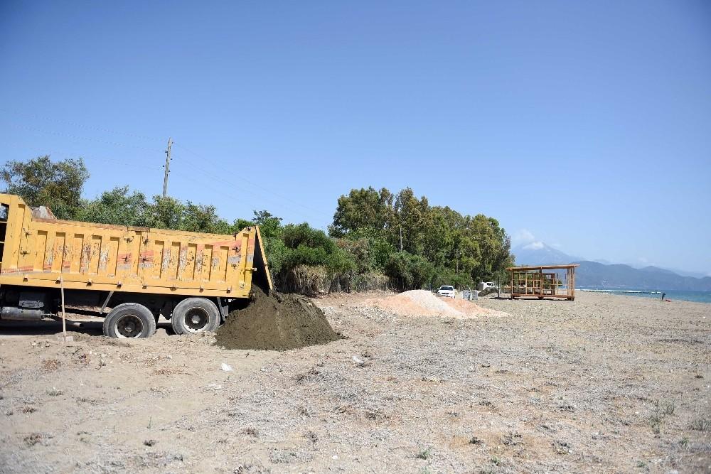 Karaot Plajı'nda Fethiye Belediyesi tarafından çalışmalar başladı