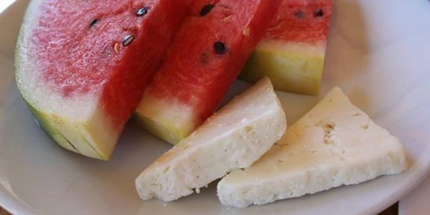 Karpuz ve beyaz peynir besinsel açıdan nasıl bir ikili?