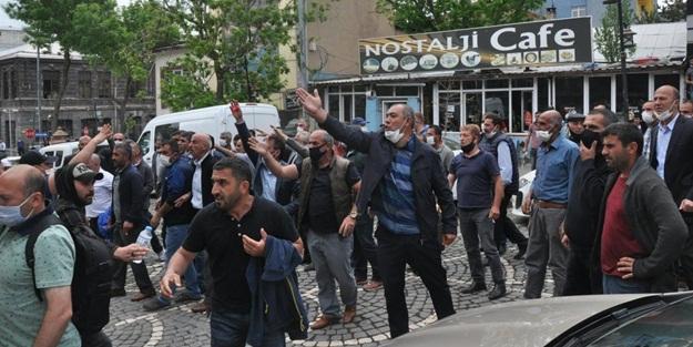 Kars'ta dolmuşçulardan 'kayyım' sloganları