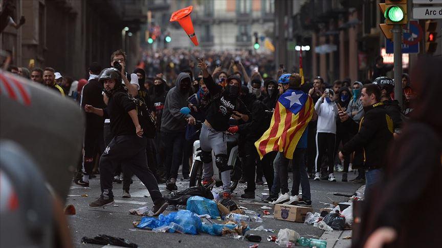 Katalonya'da bağımsızlık yanlısı protestocular Barcelona'da toplandı