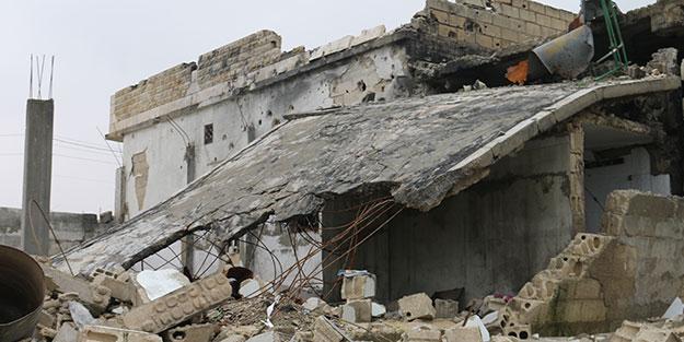 Katil Esed rejimi İdlib'de 2 beldeyi yerle bir etti