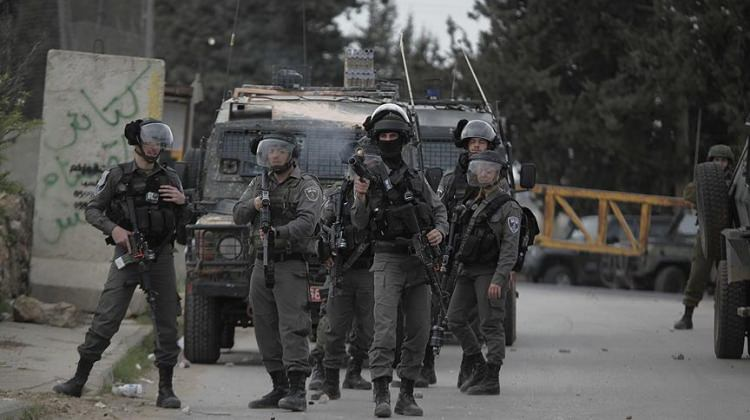 Katil İsrail Filistinli vekili gözaltına aldı!