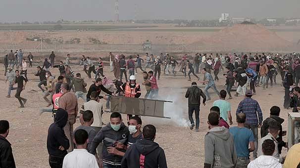 Katil İsrail Gazze'deki barışçıl gösterilere