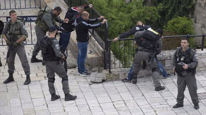 Katil İsrail polisi bir Filistinliyi öldürdü