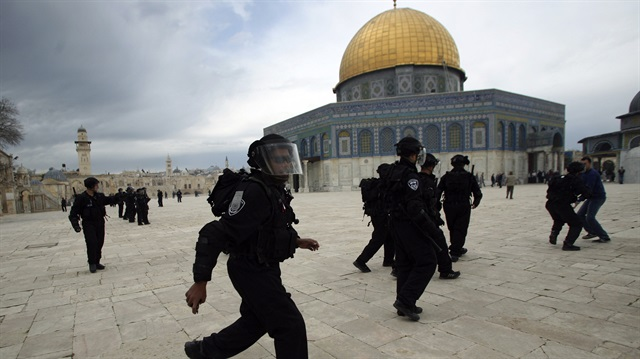Katil İsrail'den Kadir Gecesi engeli