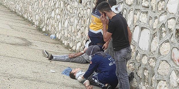 Kaygan zeminde duramayıp TIR'a çarptı: Yaralılar var