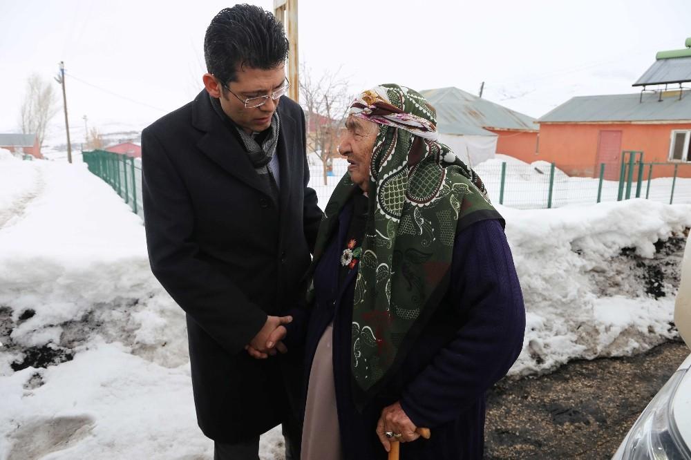 Kaymakam Kaçmaz'dan yaşlı ve yardıma muhtaç ailelere ziyaret