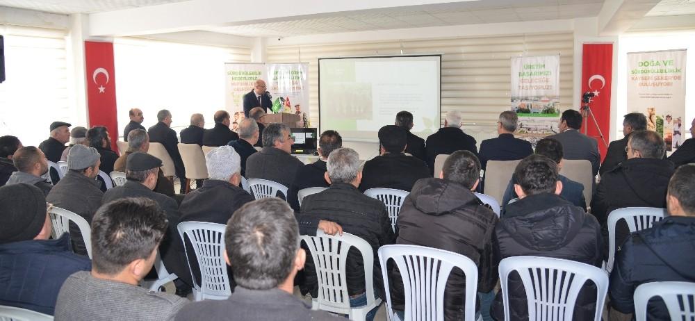Kayseri Şeker'den Turhal ve bölgelerinde çiftçi eğitim semineri