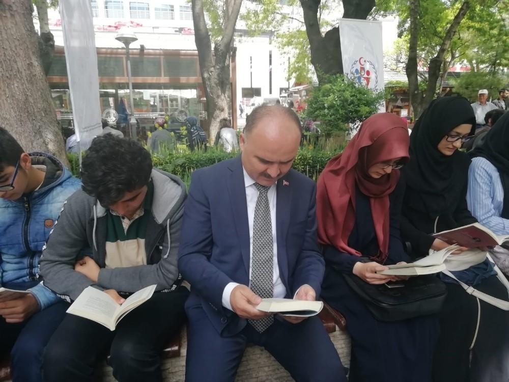 """Kayseri Valisi Şehmus Günaydın: """"Okuduğu kitapları bağışlamak için halkımız talepte bulunursa biz buna talibiz"""""""