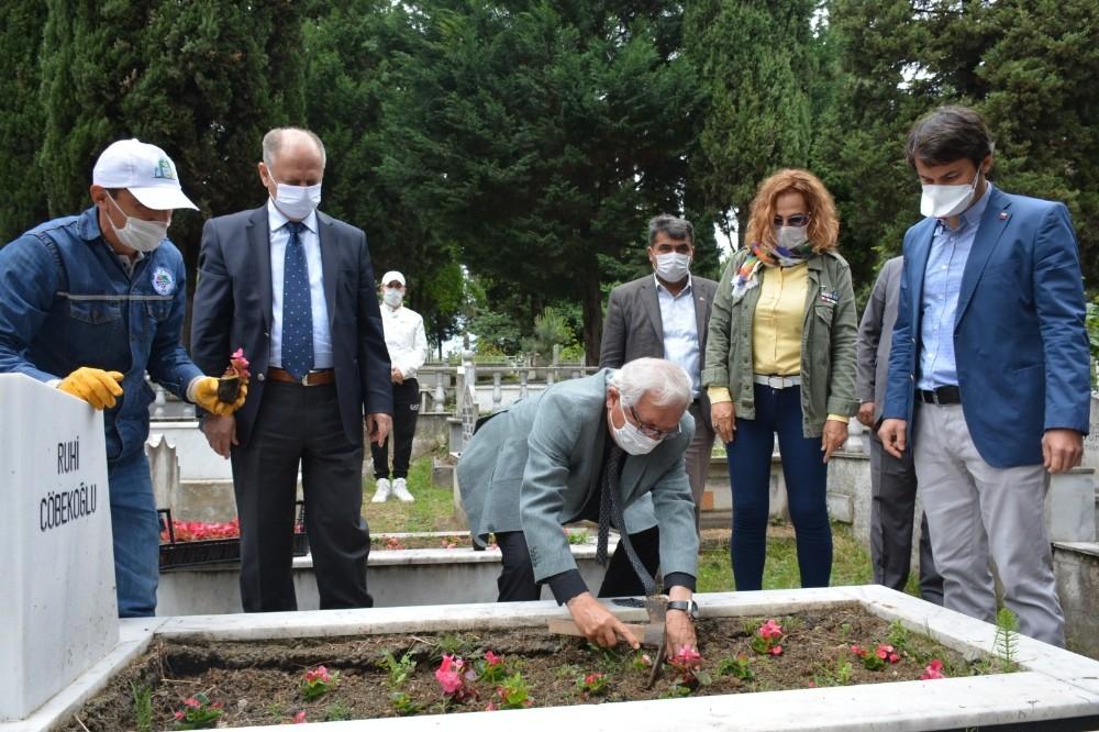 Kdz. Ereğli Belediyesi mezarlıklarda Kuran-ı Kerim okuttu