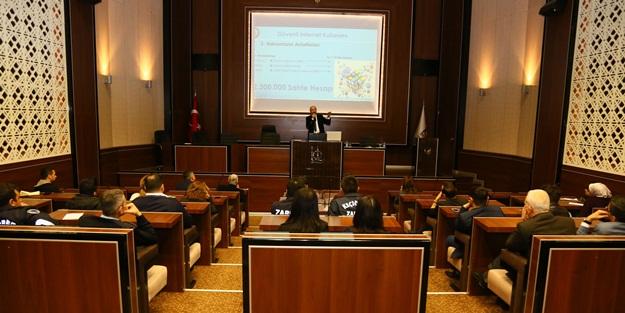 Keçiören Belediyesi personeli Siber Suçlar Eğitimi aldı