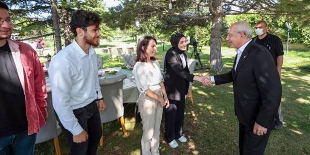 Kemal Kılıçdaroğlu gençlerin gözünün içine baka baka yalan söyledi!