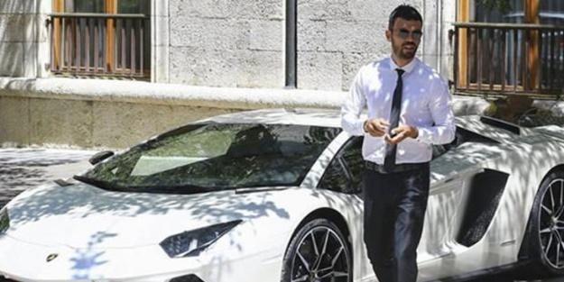 AK Parti Milletvekili Kenan Sofuoğlu, lüks aracı Lamborghini Aventador'unu 385 bin euroya internette satışa çıkardı.