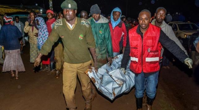 Kenya'da şiddetli yağış sonrası baraj patladı: 27 ölü