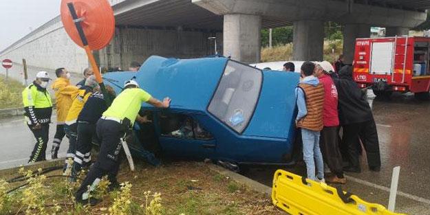 Keşan'da feci kaza... Sıkışan çift için seferber oldular