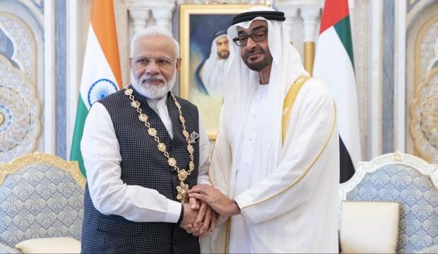 Keşmir sorunu gündemdeyken BAE Şeyhi'nden Modi'ye devlet nişanı