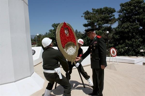 Kıbrıs'ın Fethi'nin 448'inci yılı KKTC'de törenlerle kutlanıyor
