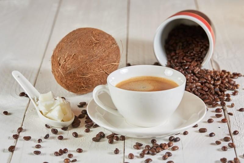 Kilo vermek isteyenlerin yeni adresi: Hindistan cevizi yağlı kahve
