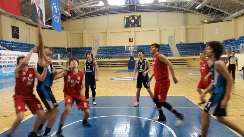 Kimsenin ilgi göstermediği Basketbol U16 Erkekler 1. Bölge Şampiyonası sona erdi