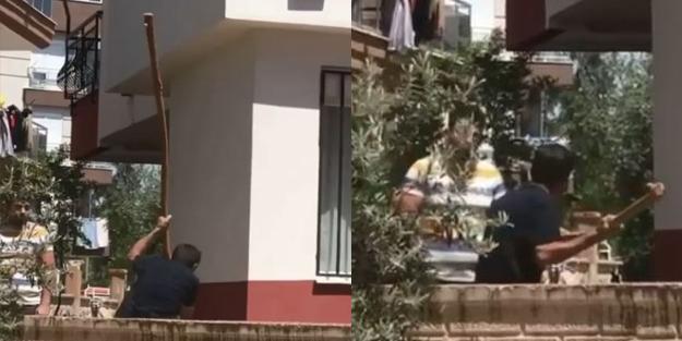 Kiracısına kızan adam 2 metrelik sopayla camı çerçeveyi indirdi