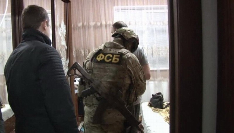 Kırım'da gözaltına alınan 20 kişiden 9'u tutuklandı