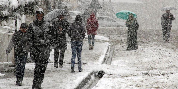 Kırklareli'de yarın okullar tatil mi? 5 Aralık Perşembe Kırklareli kar tatili