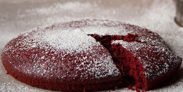 Kırmızı sıcak kek nasıl yapılır? Kolay hazırlanabilir kek tarifi ve malzemeleri