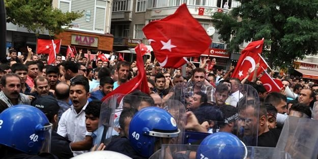 Kırşehir'de şehit cenazesi öncesi tehlikeli gerginlik