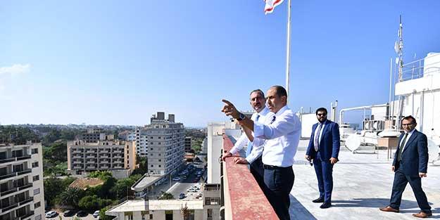 KKTC'de tarihi gün! 45 yıldır kapalı olan Maraş'a girildi