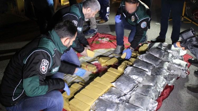 Kocaeli'de 9 milyon TL'lik uyuşturucu ele geçirildi