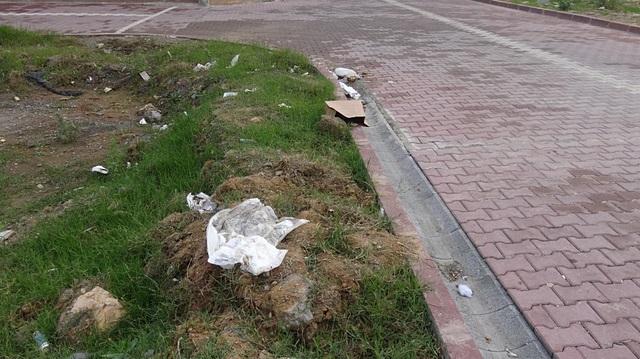 KOCAELİ'DE TOPRAĞI KAZARAK OYUN OYNAYAN ÇOCUKLAR BEBEK CESEDİ BULDU