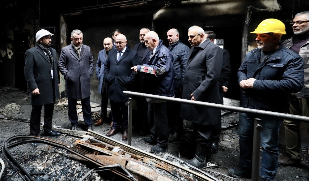Kocaeli'deki AVM yangınında hasarın boyutu ortaya çıktı
