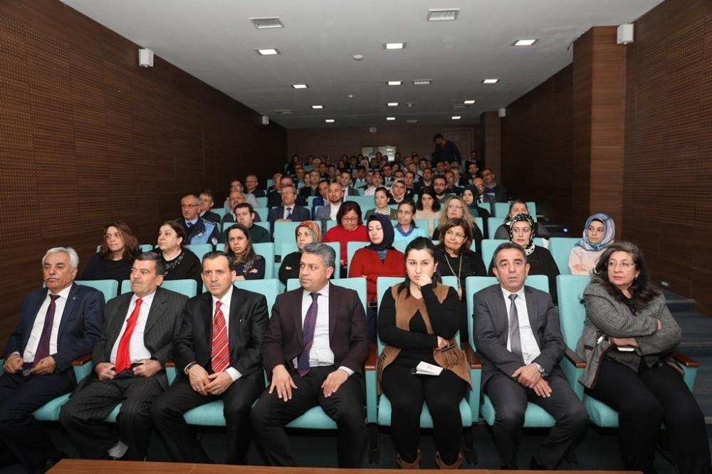 Kocasinan Belediyesi personeline koronavirüs eğitimi