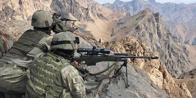 Komandolar sızmaya çalışan teröristlere geçit vermedi