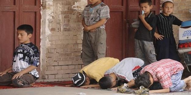 Komünistler Kur'an kursunu basıp hepsini tutukladı