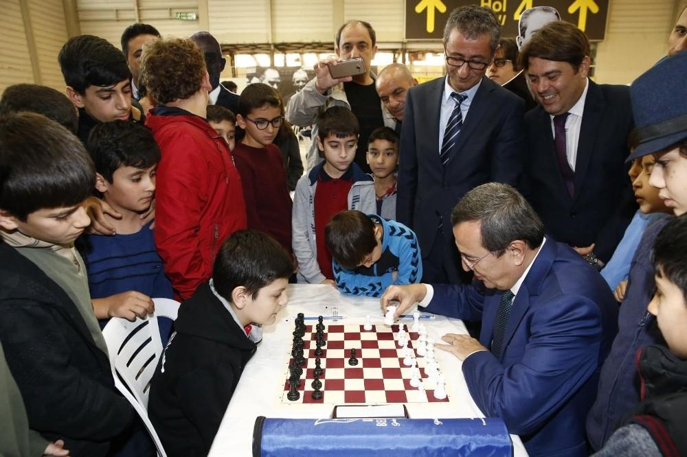 Konak'ta satranç turnuvası heyecanı başladı